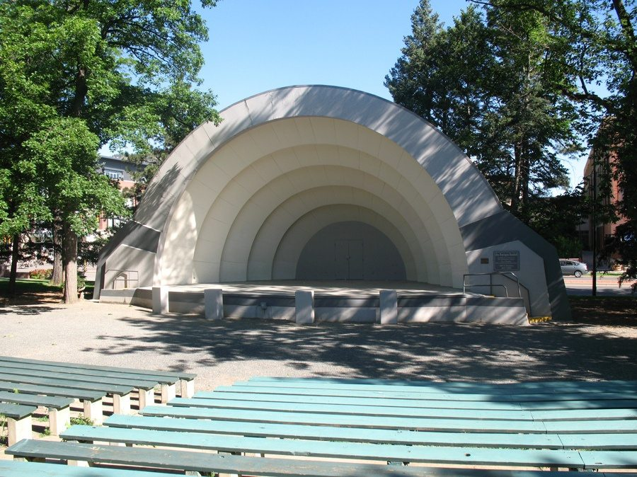 Glen Huntington Bandshell