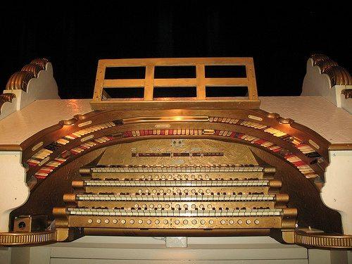 paramount-theater-wurlitzer-2