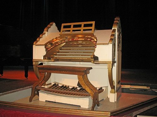 paramount-theater-wurlitzer